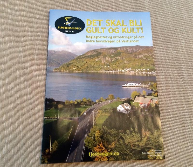 Brosjyre om Fjordvegen Rute 13
