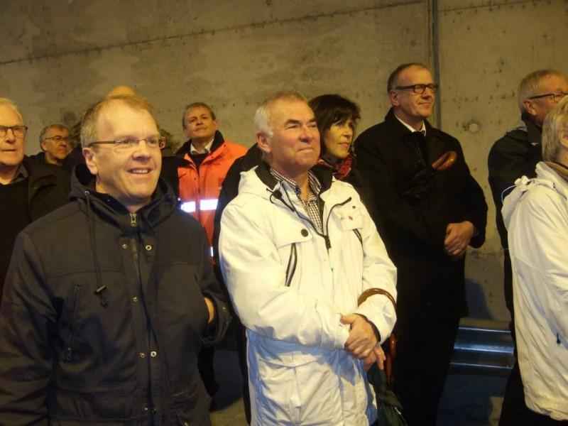 Medlemmer i styret og administrasjon i IS Fjordvegen er nøgde med opningstalane: Sigbjørn Hauge, Leiv Vambheim, Kari Vaage Gjuvsland og Bjørn Laugaland.